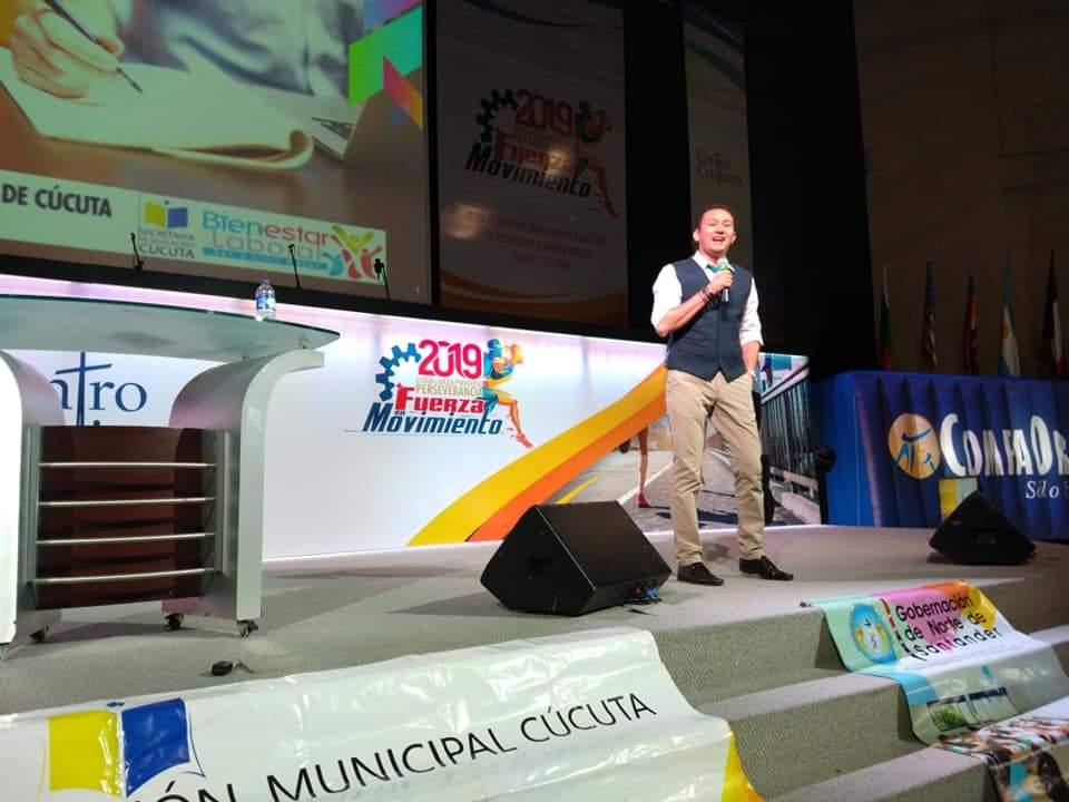Mauricio Muñoz  Comediante