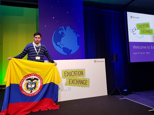 DOCENTE EDUARDO ESTEBAN PÉREZ LEÓN EN E2 EDUCATION EXCHANGE