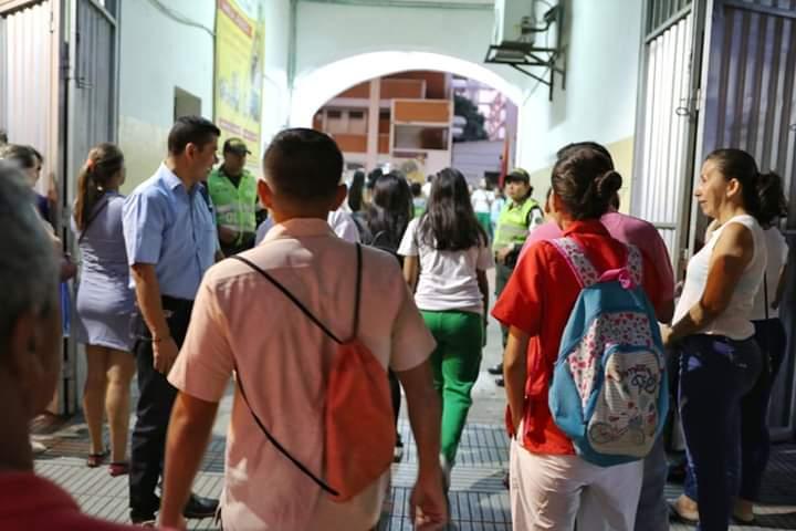 BIENVENIDA A CLASES A LOS ESTUDIANTES